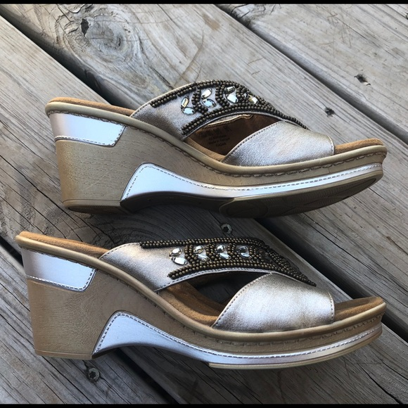 bf51c584587 Natural Soul by Naturalizer Ragan wedge sandals